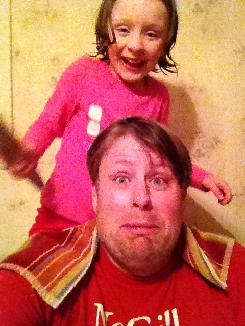 Jeff Bogle Gets Help with his hair before Dad 2 Summit in NOLA 2