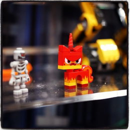 LEGO MOVIE Evil Unikitty Minifig