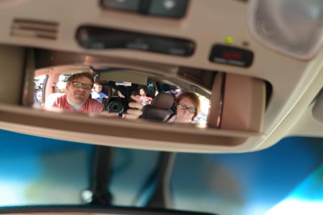 2015-Toyota-Sienna-Rear-View-In-Car-Mirror