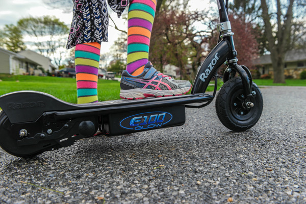 http://owtk.com/wp-content/uploads/2015/04/Jeff-Bogle_NX1-16-50mm_Razor-E-100-Scooter-and-Colorful-socks_April-22-2015.jpg