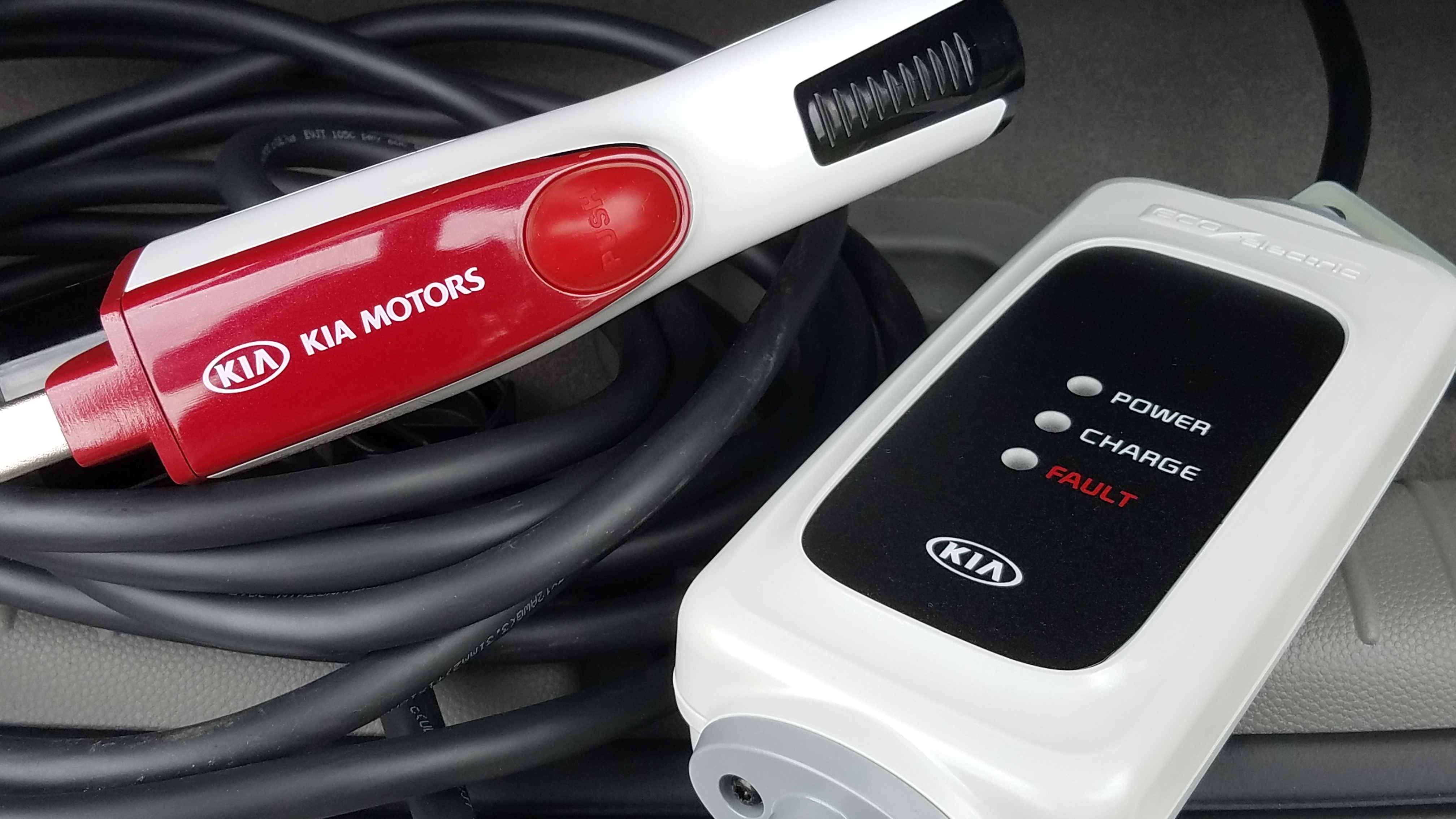 Kia Soul Ev Eletric Car Charger Out With The Kids