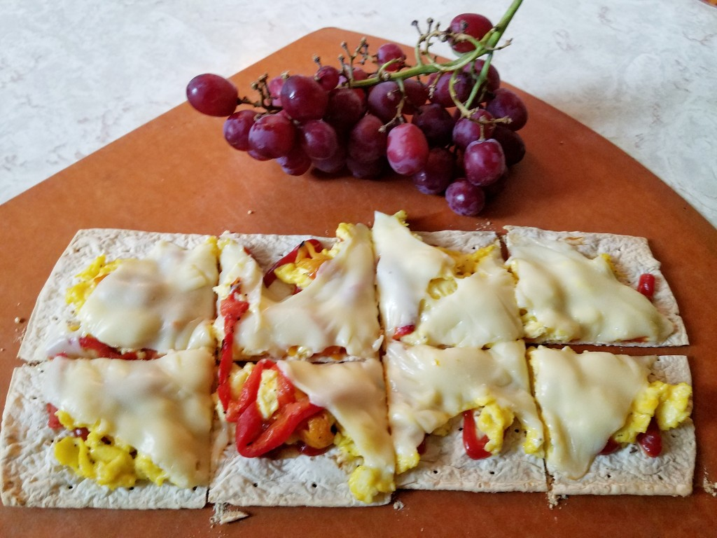 Autumn Weekend Morning recipe flatout-flatbread-breakfast-pizza-4