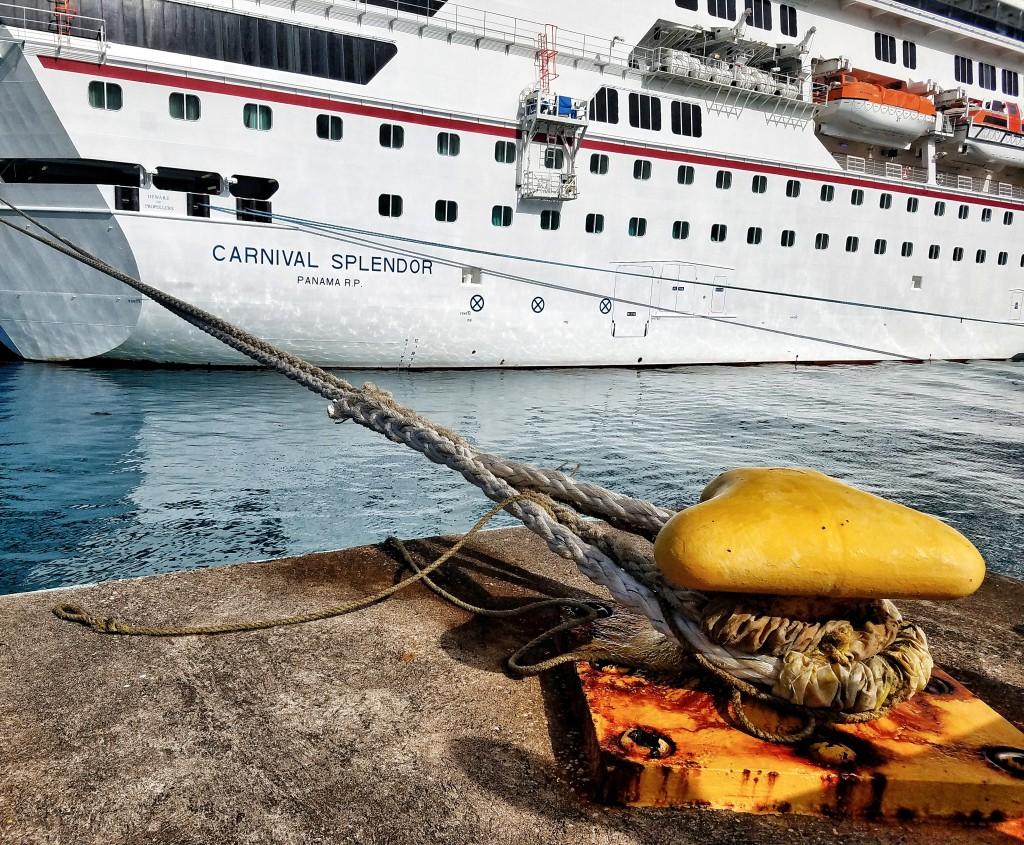 carnival-splendor-ocho-rios-jamaica-docked