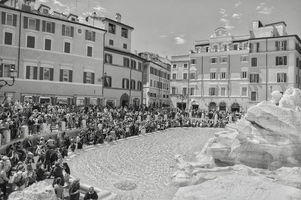 Photography Tip How To Take Better Photos Right Now Trevi Fountain