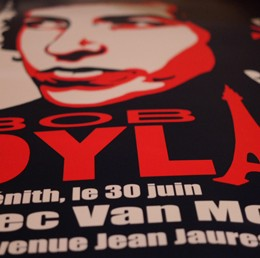 Giveaway: Vintage Bob Dylan Live in Paris Concert Poster Signed by Artist