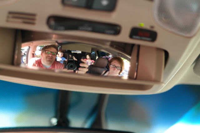 2015-Toyota-Sienna-Rear-View-In-Car-Mirror