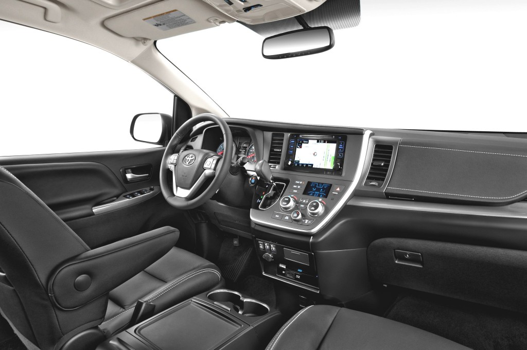 2015-Toyota-Sienna Front of Cabin