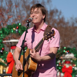LEGOLAND-California-Kids-New-Years-Eve-2014-Justin-Roberts-solo