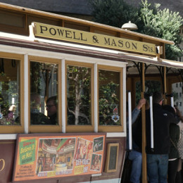 Travel-Tips-San-Francisco-in-48-hours_Cable-Car