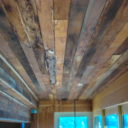 Yellow-Ferry-VRBO-Sausalito-Houseboat-Rental_Wood-Grain-of-Roof