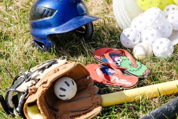 Jeff-Bogle-NX1-85mm_Phillie-Phanatic-Flip-Flops-Opening-Day-MLBFanatics