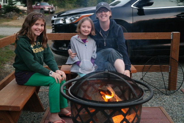 Redwoods-KOA-Cabin-Firepit-Outside
