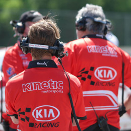 Kia-Racing-Road-America Pit Crew