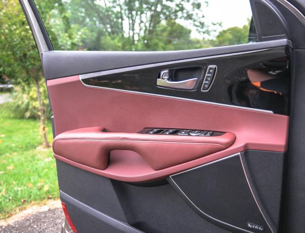 2016-Kia-Sorento-SXL-Driver-Door-Open