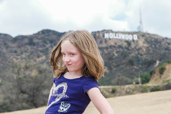 13-Travel-Experience-Kids-Should-Have-Before-They-Grow-Up_Pose-with-Hollywood-sign