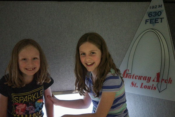 13-Travel-Experience-Kids-Should-Have-Before-They-Grow-Up_St-Louis-Arch-Elevator