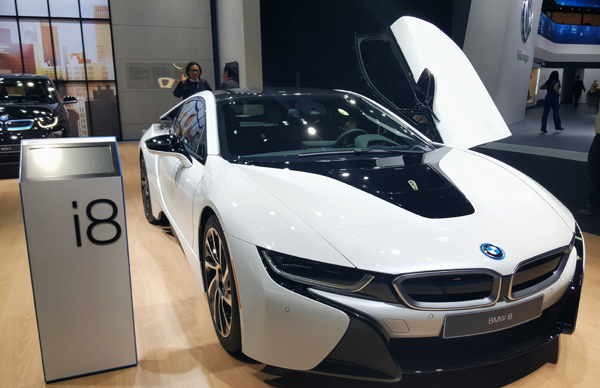 Detroit Auto Show 2016 Mid Life Crisis Cars Best of_BMW i8