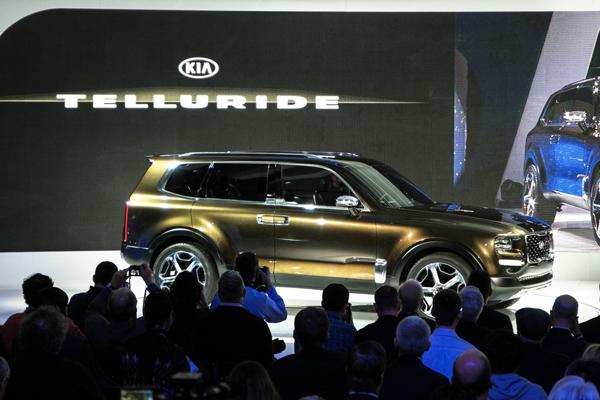 Detroit Auto Show 2016 Mid Life Crisis Cars Best of_Kia Telluride concept