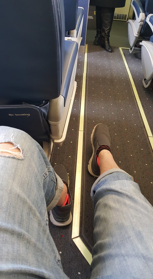 Bogled Lee Jeans on the plane