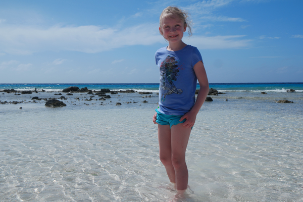 Bonaire-Tour-Carnival-Sunshine-Cruise_Daughter-in-Water