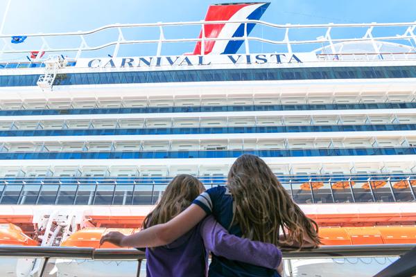 Carnival-Vista-in-Barcelona Port Carnival Horizon 2018