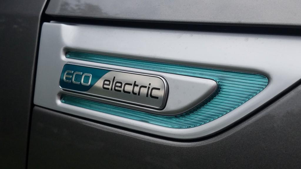 kia-soul-ev-eletric-car-owtk
