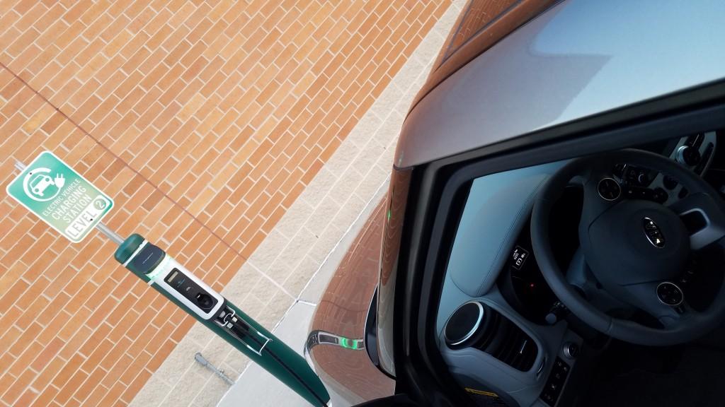kia-soul-ev-eletric-car-semaconnect