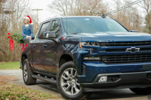 2019 Chevy Silverado Christmas Tree Farm Experience_Driveway with tree